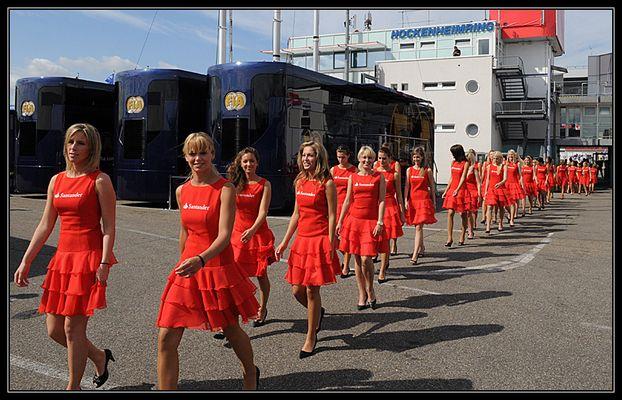 Formel 1 Grid Girls im Paddock am Hockenheimring