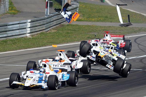Formel Renault 3.5 Start Crash