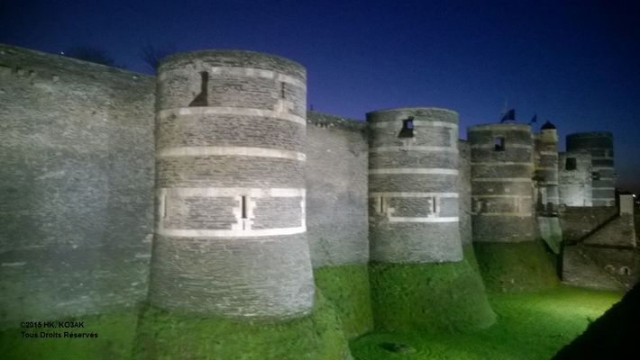 Forteresse Angers nuit MAINE
