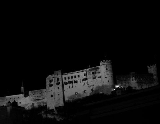 Fortezza di Salisburgo in notturna