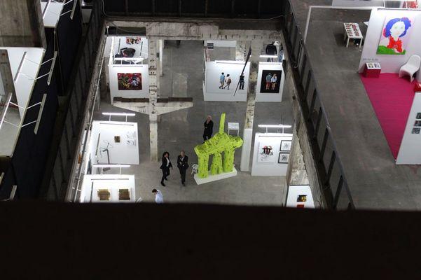 """Foto: Mané Wunderlich Kraftwerk Mitte Kunst Messe Berlin Skulptur """"monumentalWunderlich"""" u"""
