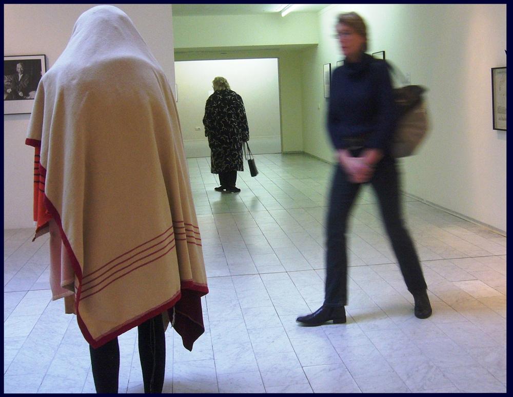 Fotoausstellung und drei Frauen - Three Dutch women / gallery in Leeuwarden