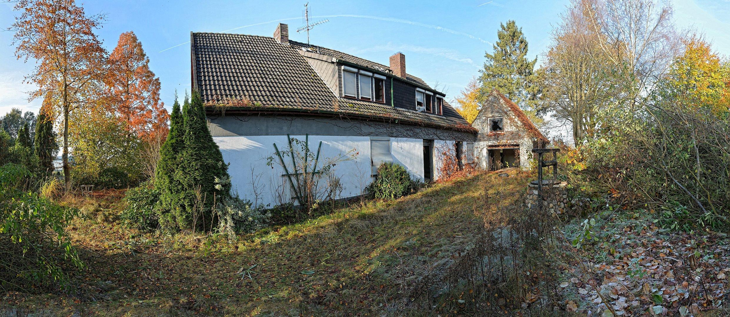 Fotocommunity_161112_Haus-freihand-Pano