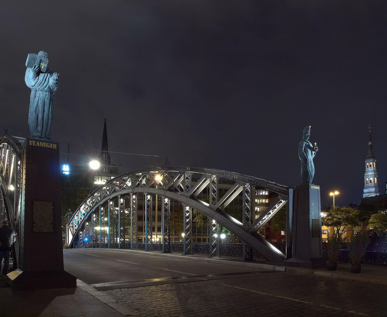- Fotograf an der Brücke -