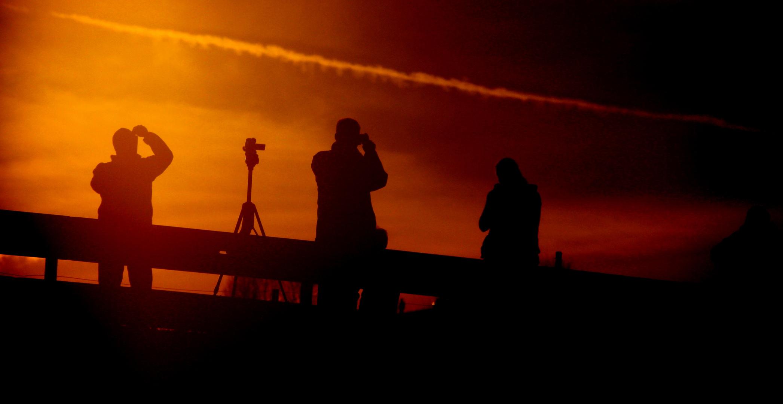 Fotografen in der Dämmerung