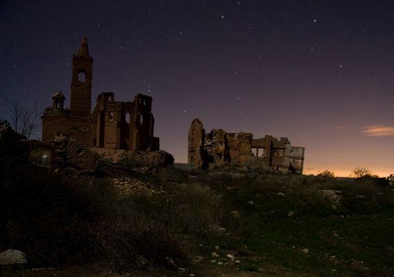 Fotografía nocturna en Belchite (1)