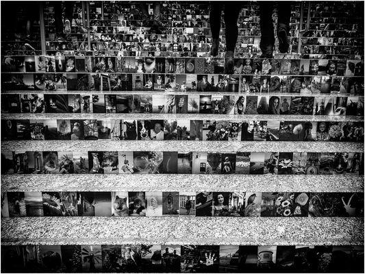 Fotokunst mit Füßen getreten ...