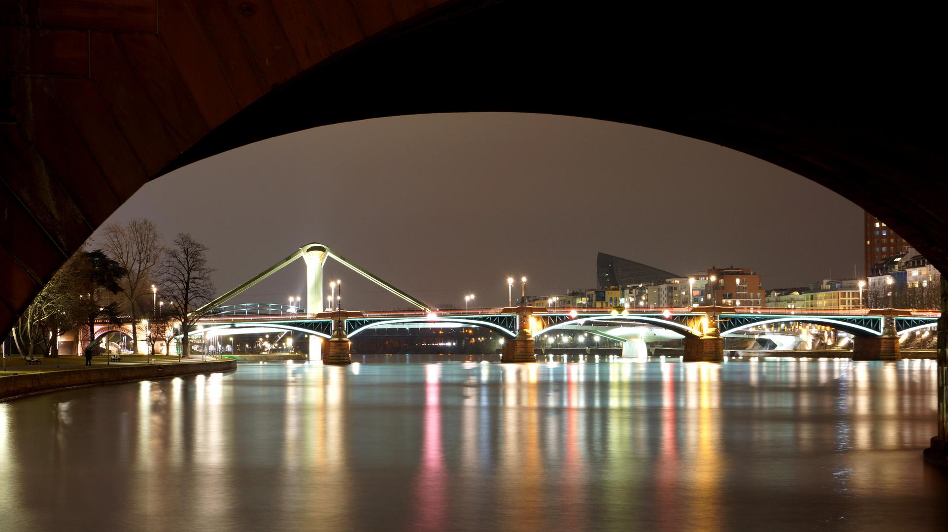 Fotopraxis - Frankfurt a. M. bei Nacht 3