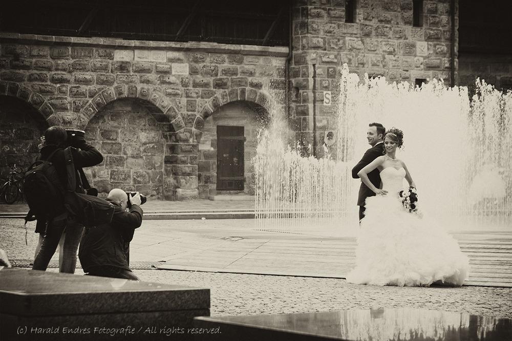 Fototermin mit zwei Bräuten