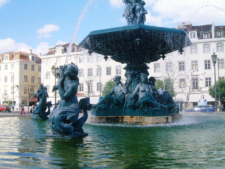 Fountain on Praca Dom Pedro iV, Rossio, Lisbon