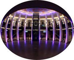 Foyer Planetarium, mal elliptisch
