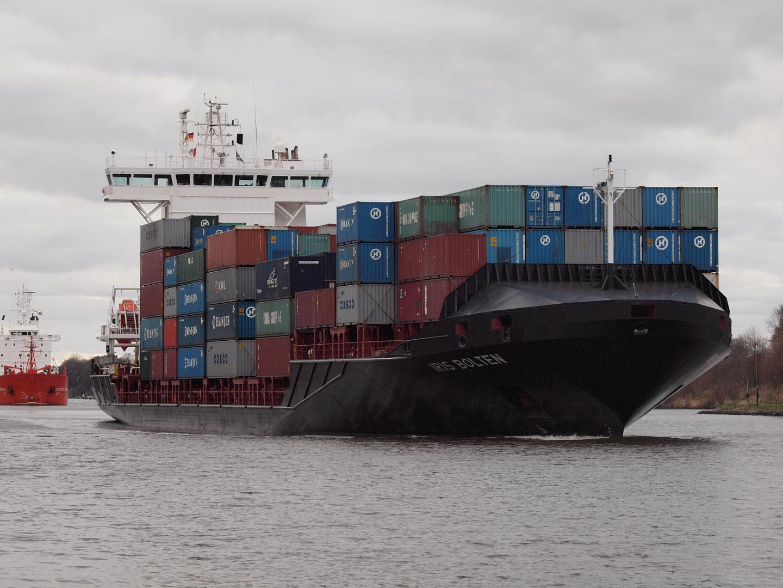 Frachtschiff IRIS BOLTEN auf dem Nord-Ostsee-Kanal
