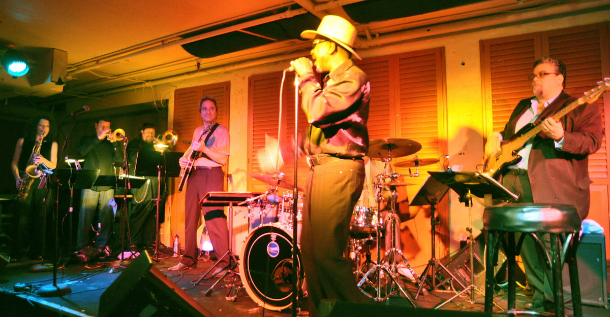 Frank Bey and Band im Biscuits and Blues