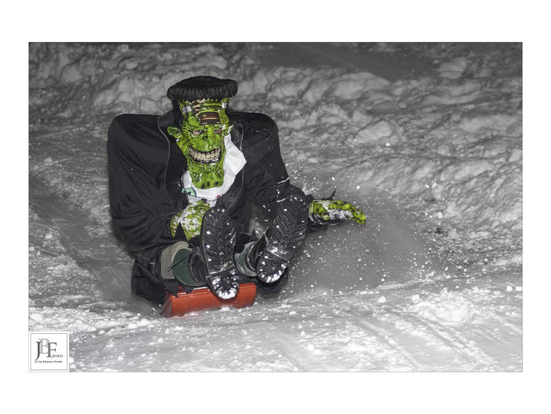 Frankenstein beim Zipflbob-Rennen