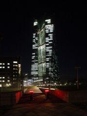 Frankfurt 9 EZB bei Dunkelheit