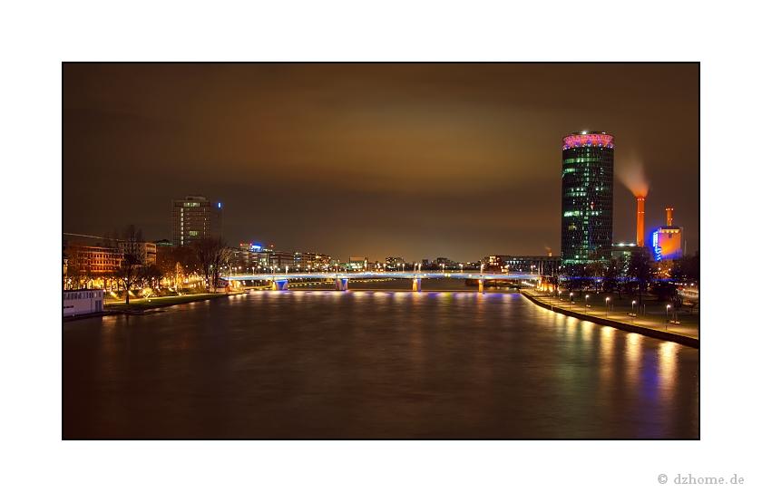 Frankfurt am Main - Friedensbrücke & Westhafen
