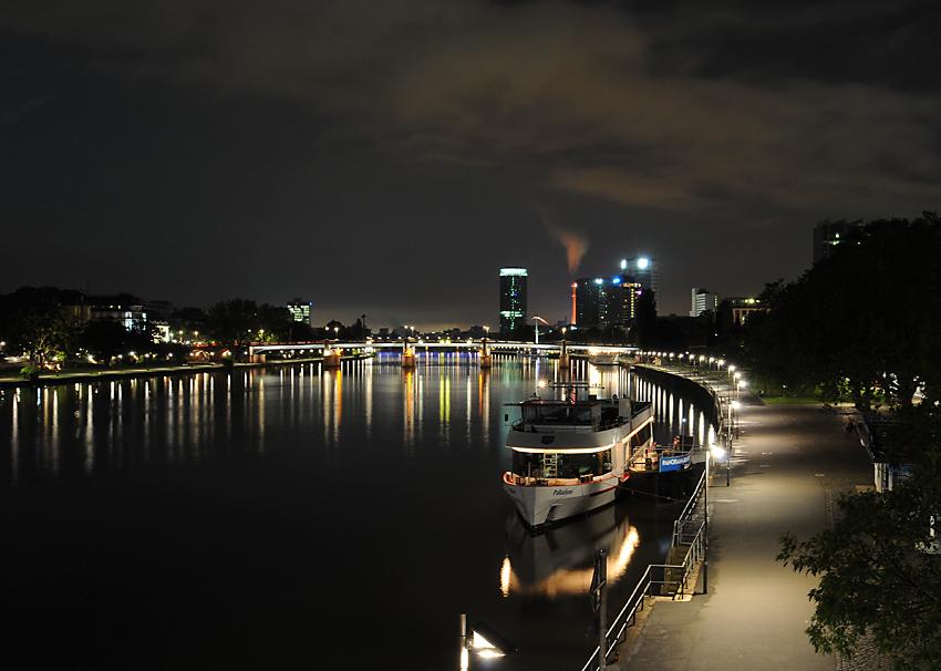 Frankfurt am Main in nacht..