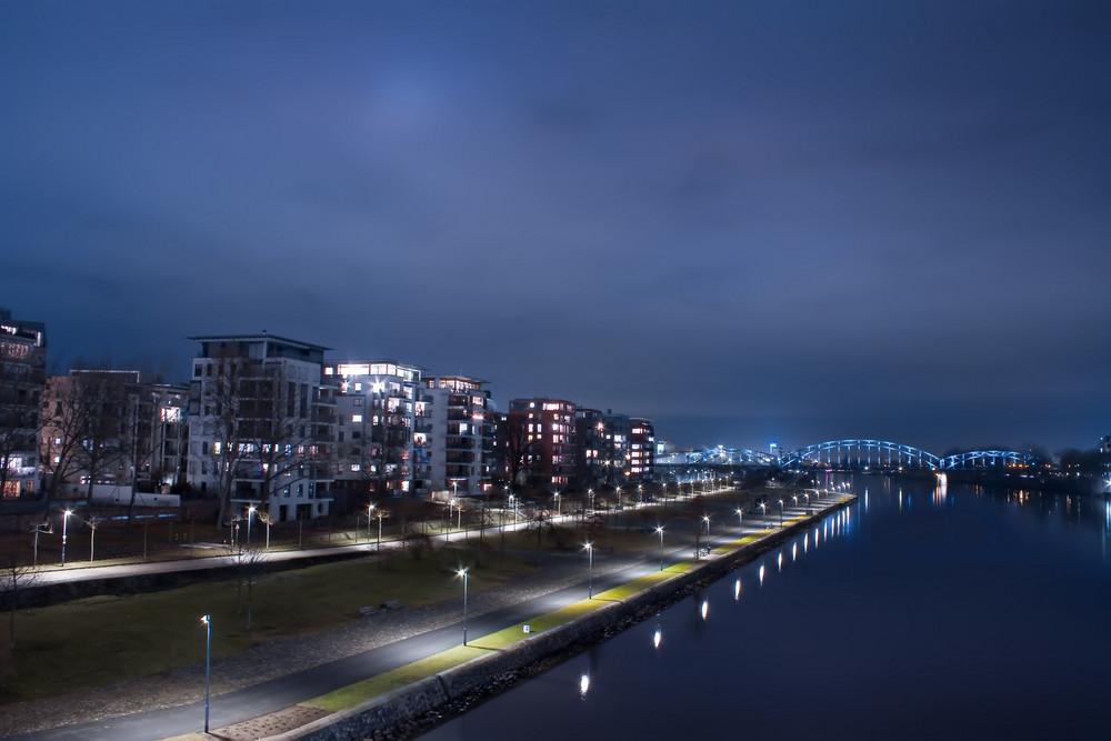 Frankfurt am Main Uferpromenade 1