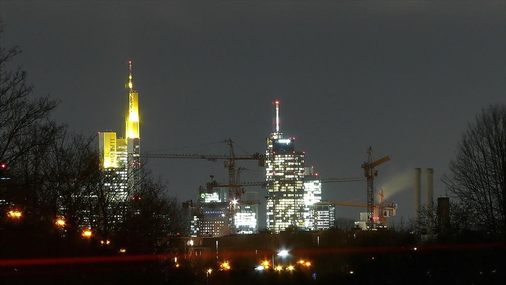 Frankfurt baut auch Nachts