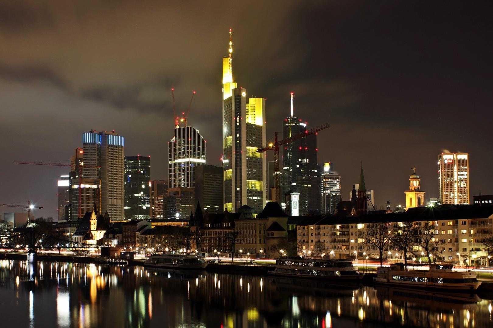 Frankfurt bei (eisiger) Nacht die 2te