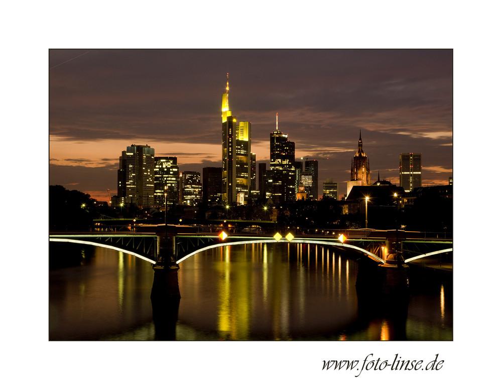 Frankfurt bei Nacht-03