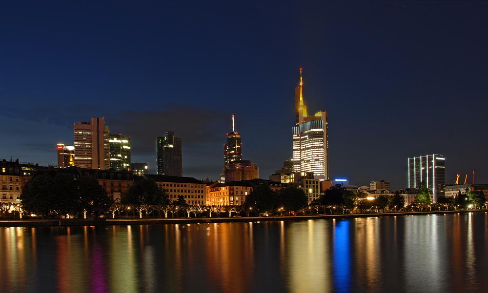 Frankfurt bei Nacht 1
