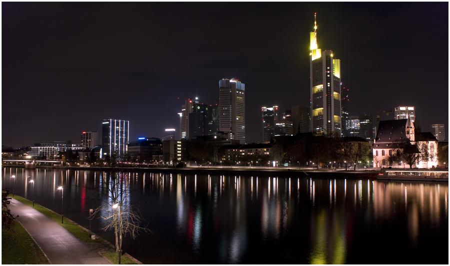 Frankfurt bei Nacht - der zweite Versuch