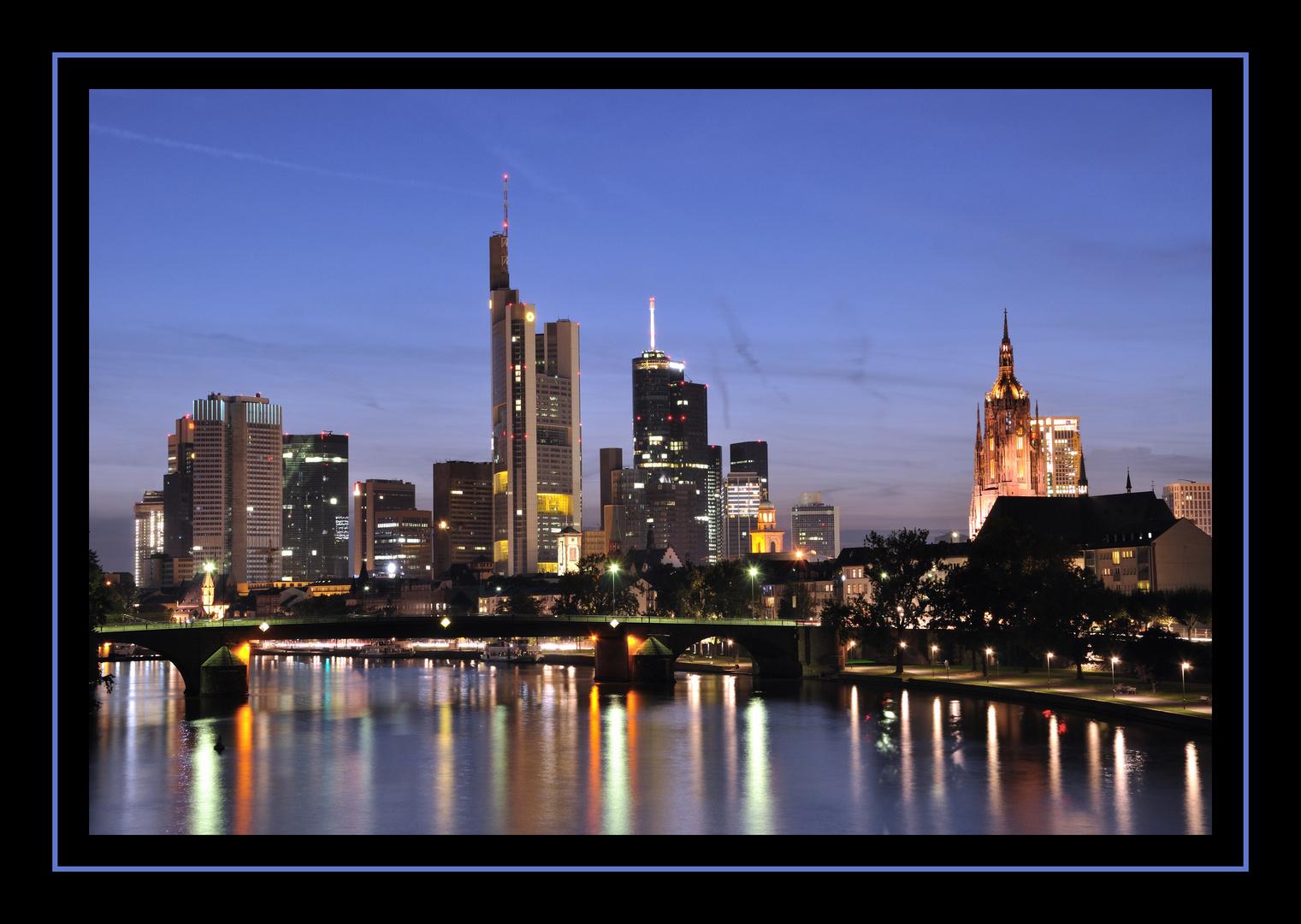 Frankfurt bei Nacht - Ignatz Bubis Brücke