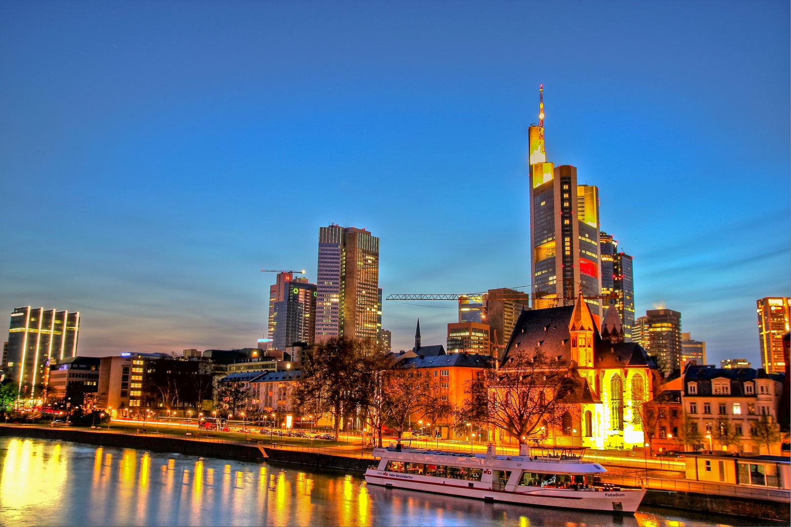 Frankfurt -  Blick vom Eisernen-Steg
