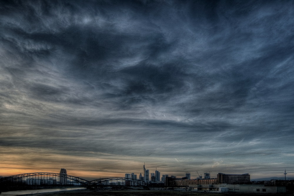 Frankfurt City die Sonne geht unter