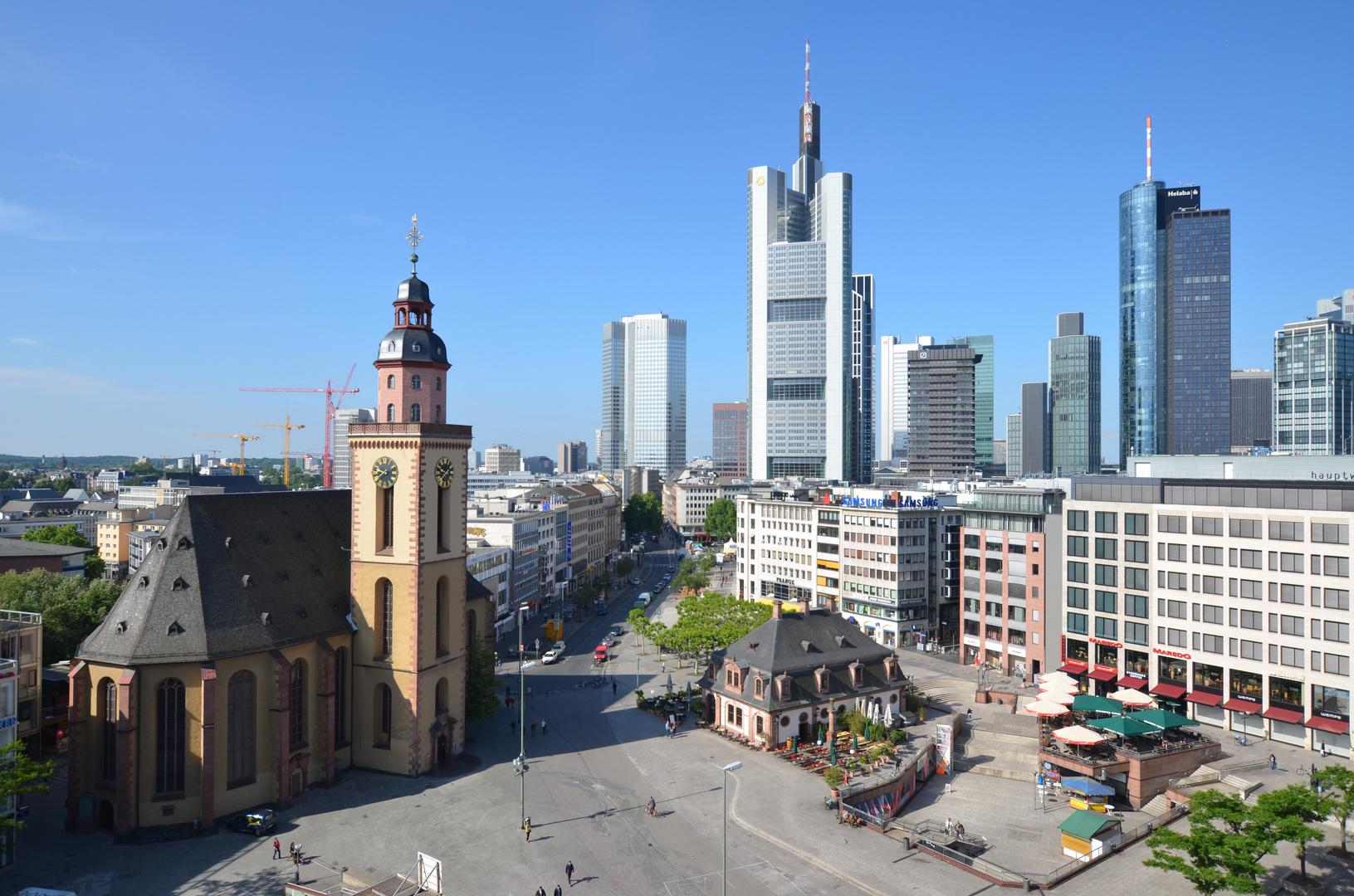 Frankfurt Hauptwache, Katharinen Kirche und Skyline