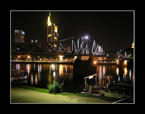 Frankfurt im Lichterspiel