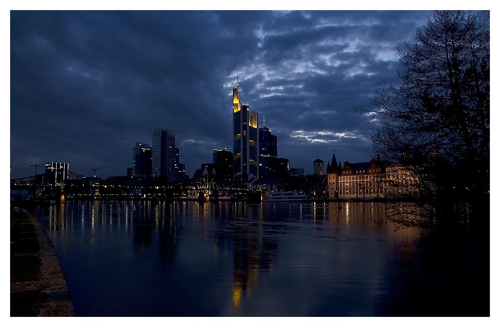 Frankfurt in Blau