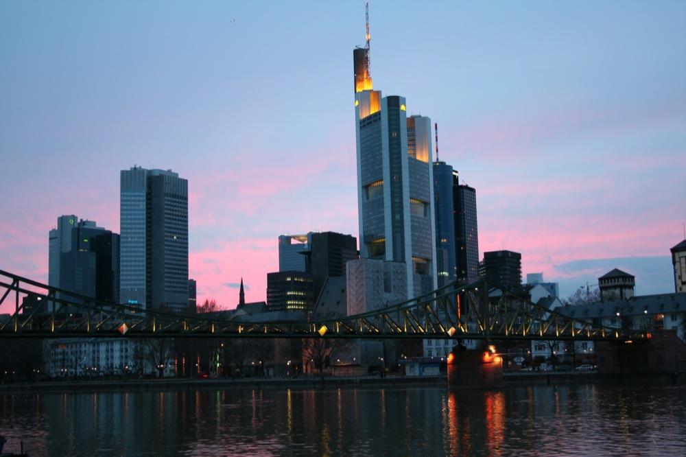 Frankfurt in der Blauen Stunde