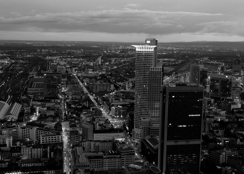 Frankfurt in der Dämmerung