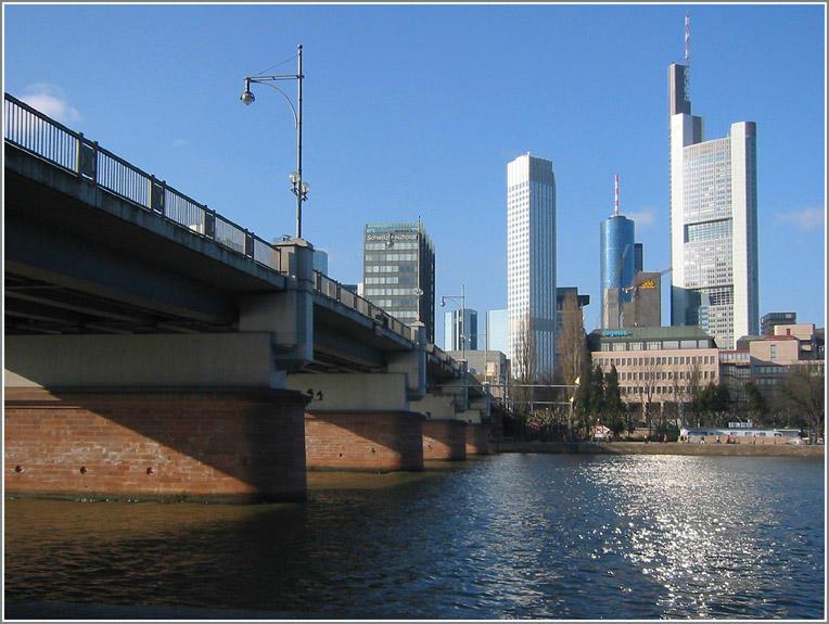 Frankfurt in realen Farben