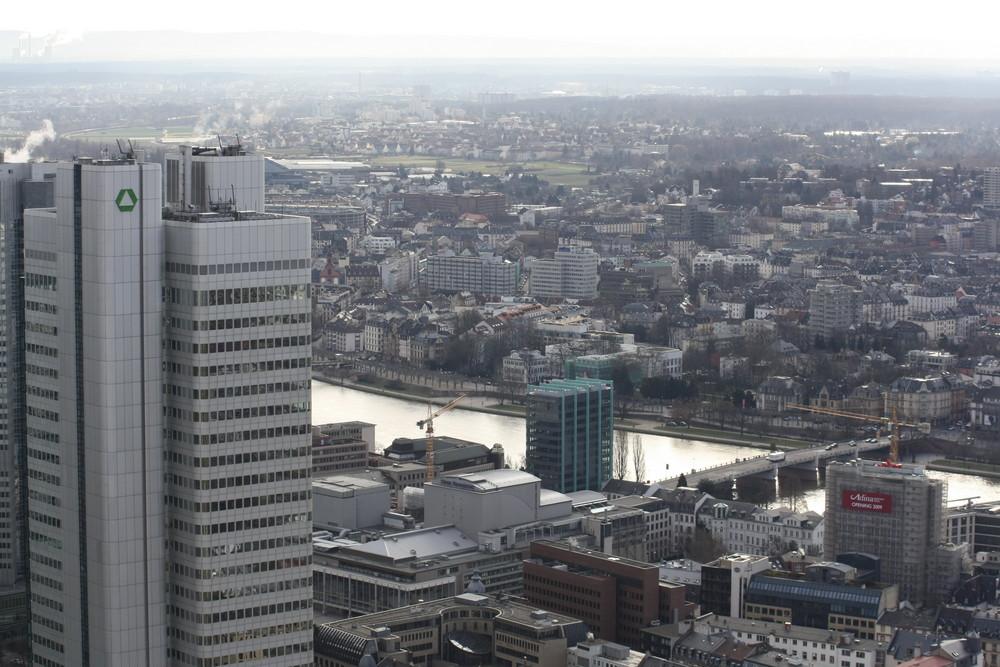 Frankfurt: (noch) Dresdner Bank-Hochhaus