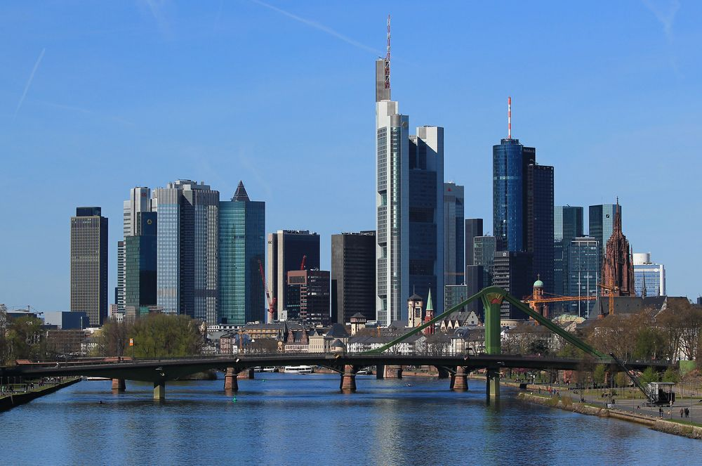 frankfurt skyline am nr 2 kein hdr foto bild architektur stadtlandschaft. Black Bedroom Furniture Sets. Home Design Ideas