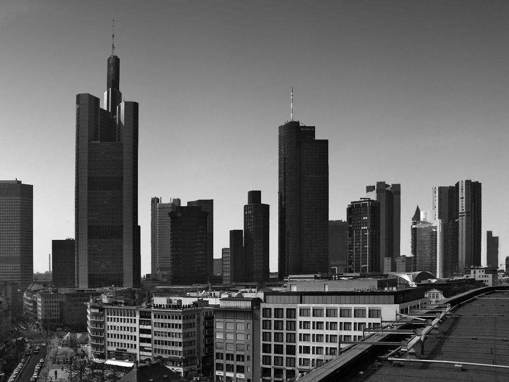 Frankfurt Skyline B + W Reload
