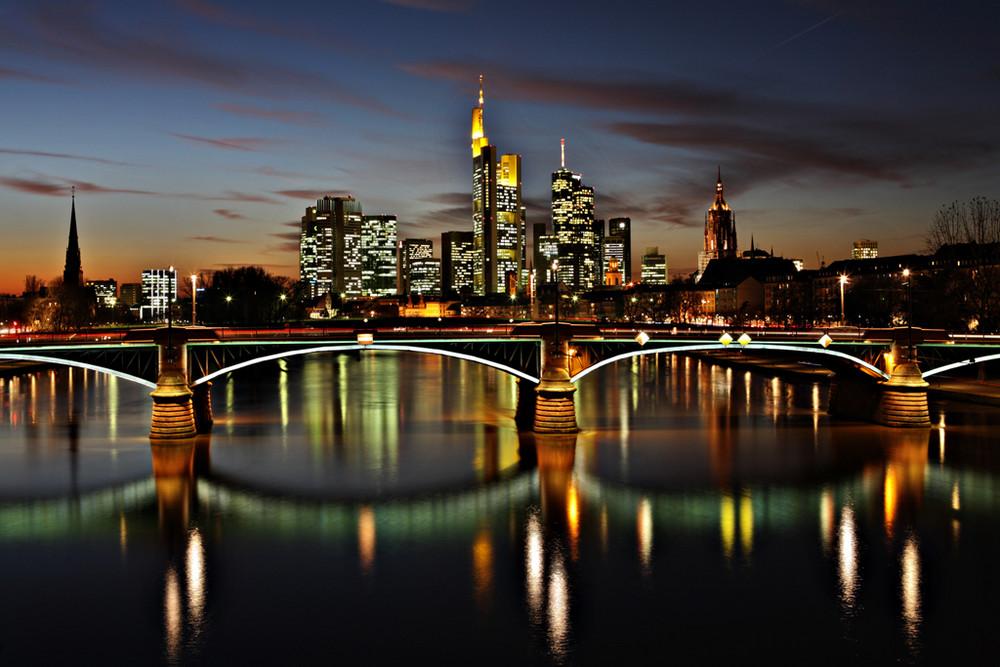 frankfurt skyline night foto bild deutschland. Black Bedroom Furniture Sets. Home Design Ideas