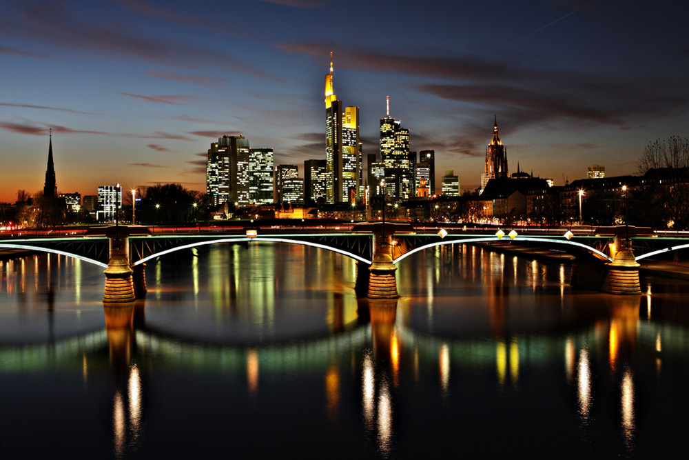 frankfurt skyline night foto bild deutschland. Black Bedroom Furniture Sets. Home Design Ideas