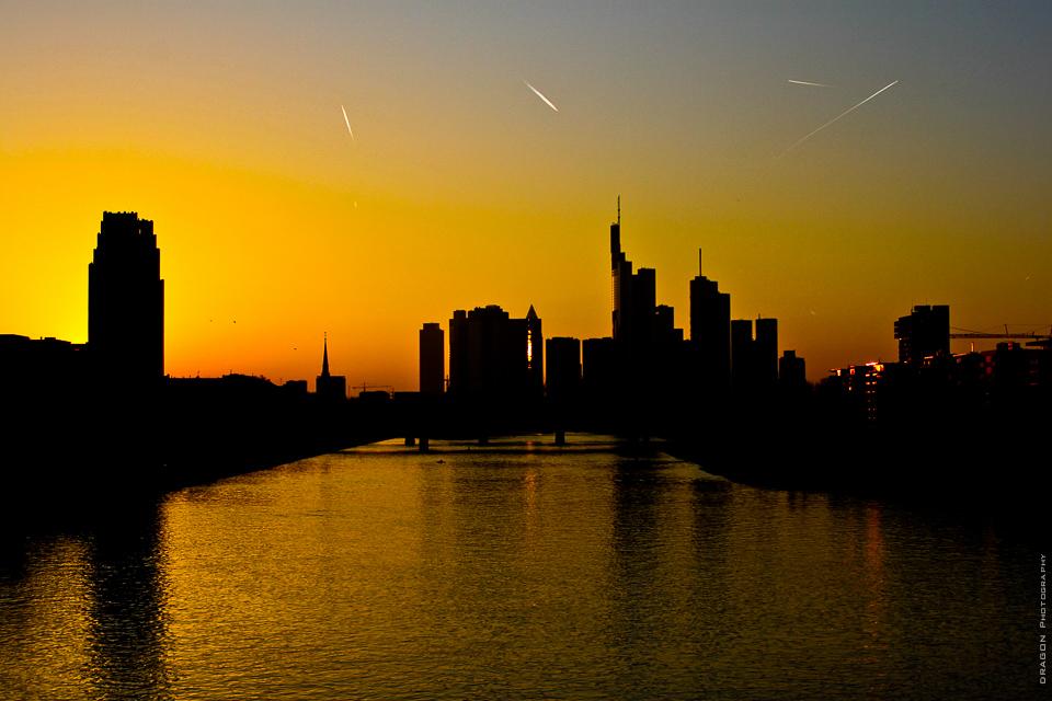 Frankfurt - Skyline - Sonnenuntergang