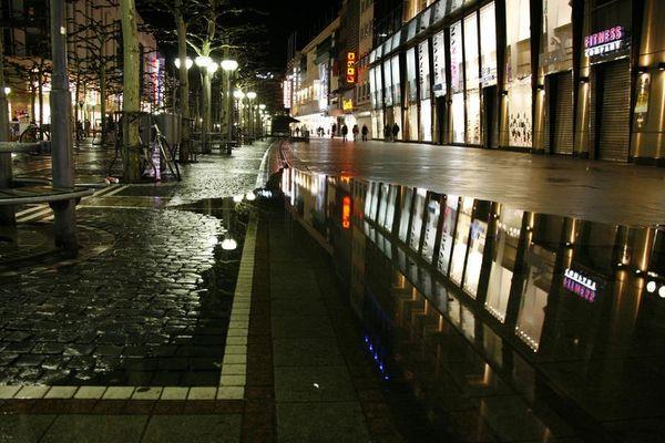 Frankfurt Zeil by rain