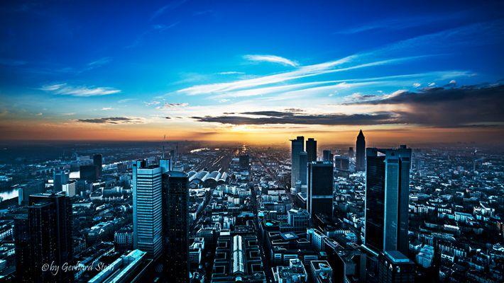Frankfurt zum Sonnenuntergang...