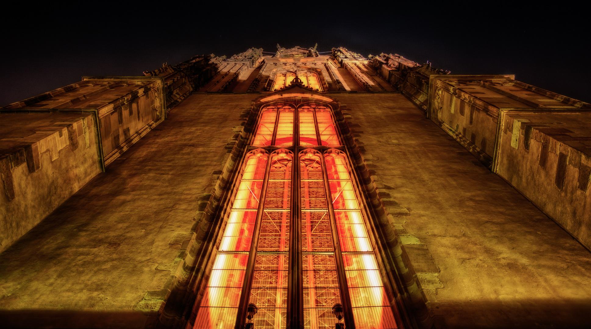 Frankfurter Dom bei Nacht