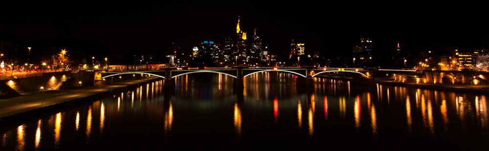 Frankfurter Skyline 2 ...