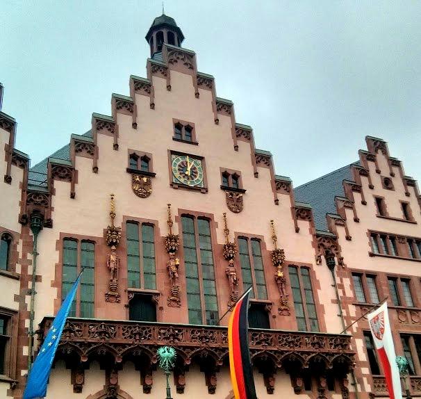 Frankfurt_Römer_Balkon
