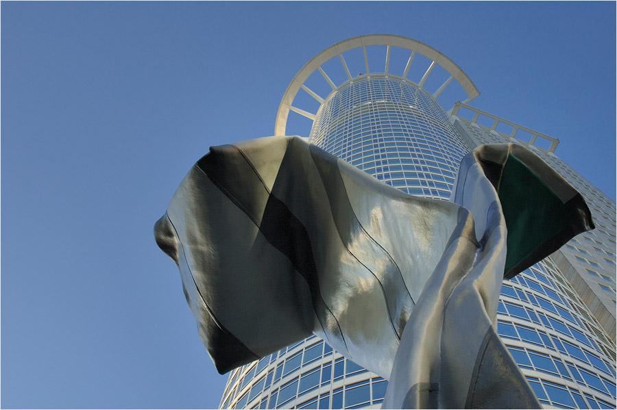 Frankfurts größte Krawatte