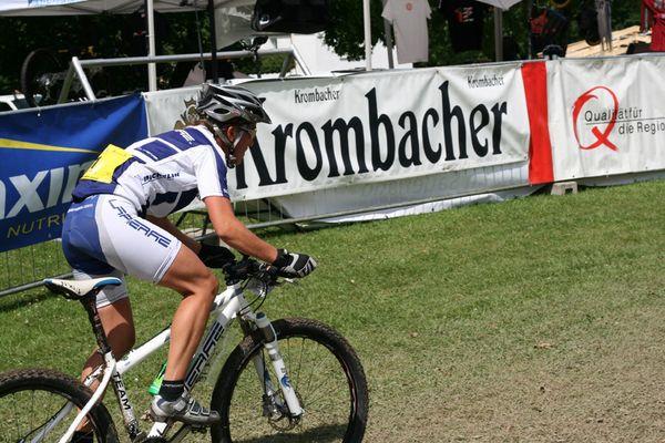 Französin beim Bundesligarennen in Saalhausen