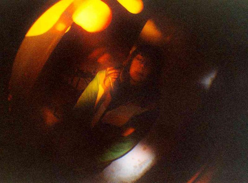 Frau A. in der Alienifiszierungsmaschine